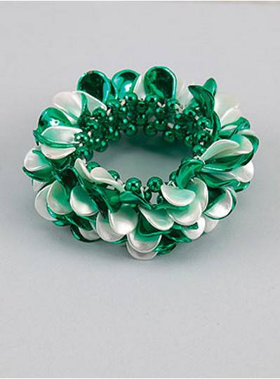 Theme Bracelets Green & White Petals